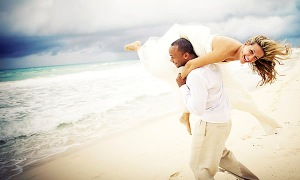 beach-wedding-dress_600x360